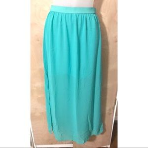 Skirt by H&M in Aqua with Tag (New)